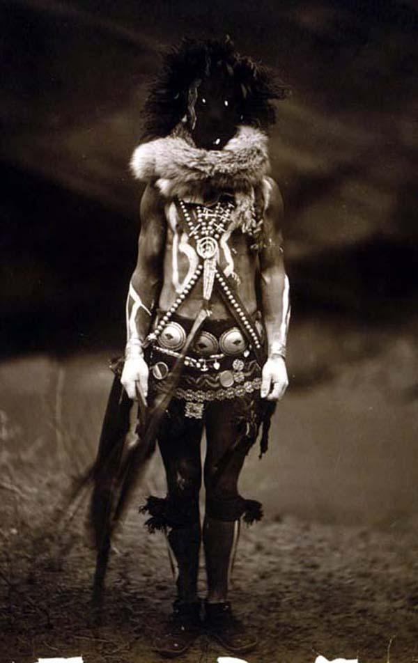 Yenaldlooshi - Navajo call Skinwalkers